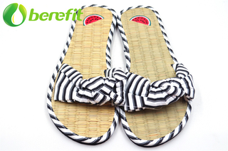 Women Flat Sandals With Natural Straw Insole