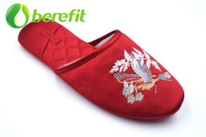 Slippers Women with Chinese Tranditional Embroidery Decoration And Classic Red Satin